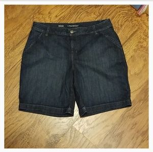 New with tags Lane Bryant Bermuda jean shorts 20